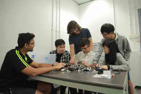 'Smarter life aided by robots' Competition 2016